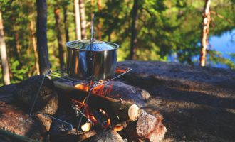 Top 10 Benefits of Living Off The Grid (Survival Guide)